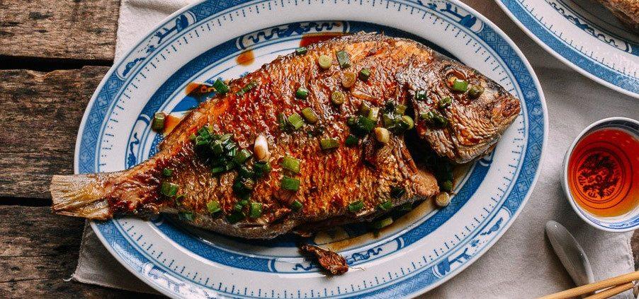 υπέροχο ψάρι στο τηγάνι