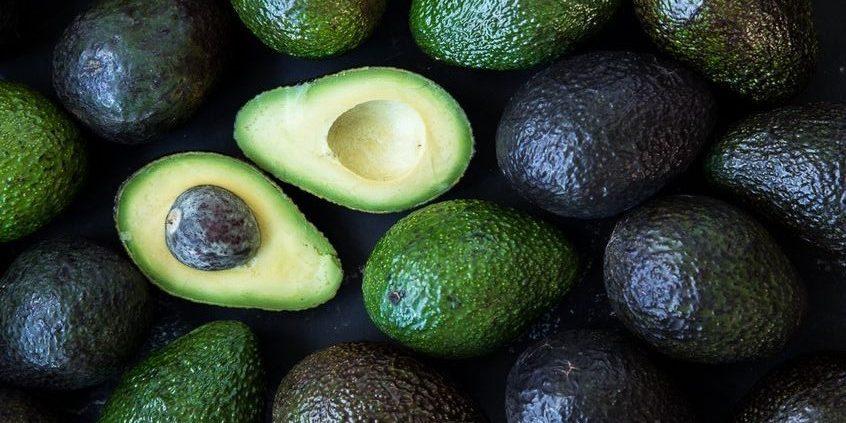 5 λόγοι για να βάλεις το αβοκάντο στη διατροφή σου